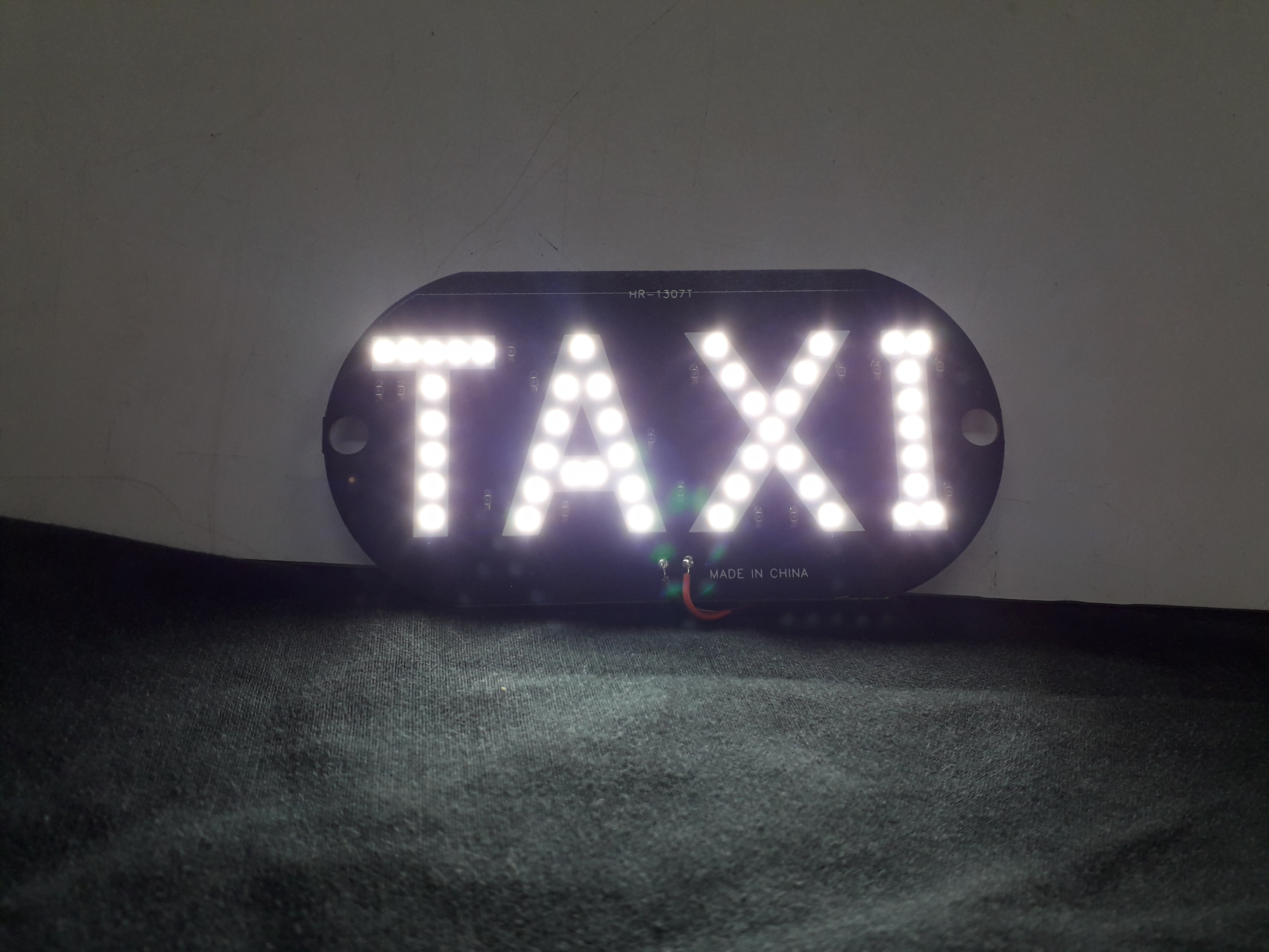 Painel TAXI - LED Branco - Painel Interior com Ventosas